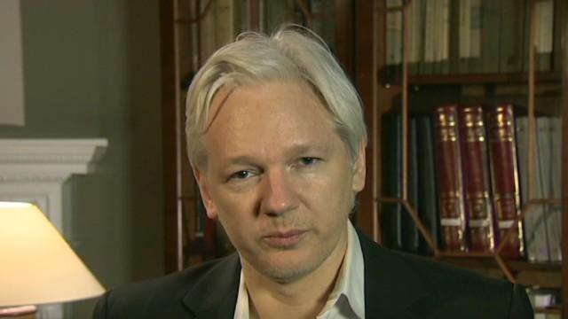 Julian Assange cumple un año refugiado en la embajada de Ecuador en Londres