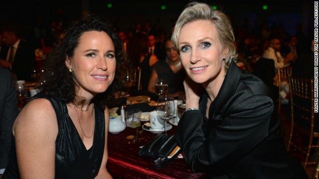 Jane Lynch, wife Lara end marriage
