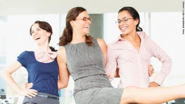 Sonreír en el trabajo ¿frena la carrera de las mujeres?