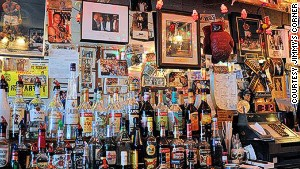 Jimmy\'s Corner, New York: Great selection on the jukebox, too.
