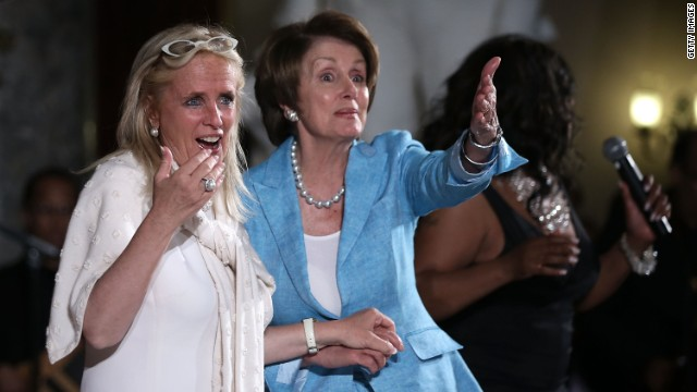 Dancing for Dingell: Congress celebrates an epic run
