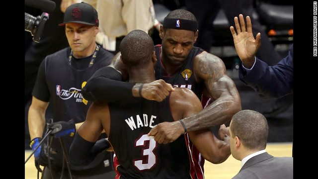 Photos: Game 4 of the NBA Finals
