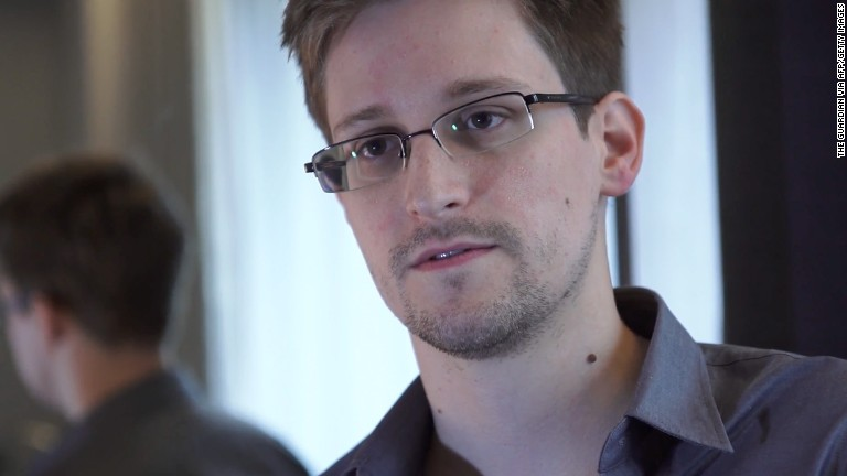 Snowden questions Putin on camera...