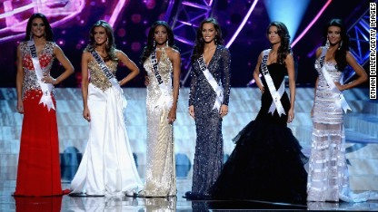 9 very awkward pageant moments