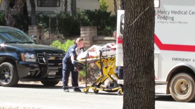 Un joven se mutila con una sierra tras apuñalar a su padre
