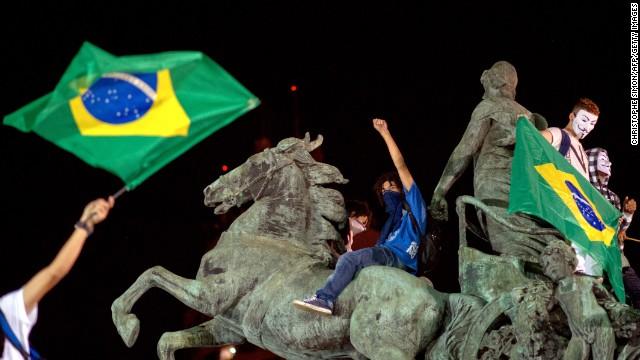 L'indignation, patrimoine de l'humanité. Maintenant, le Brésil. (Esther Vivas) dans Altermondialisme 130621065939-06-brazil-0621-horizontal-gallery