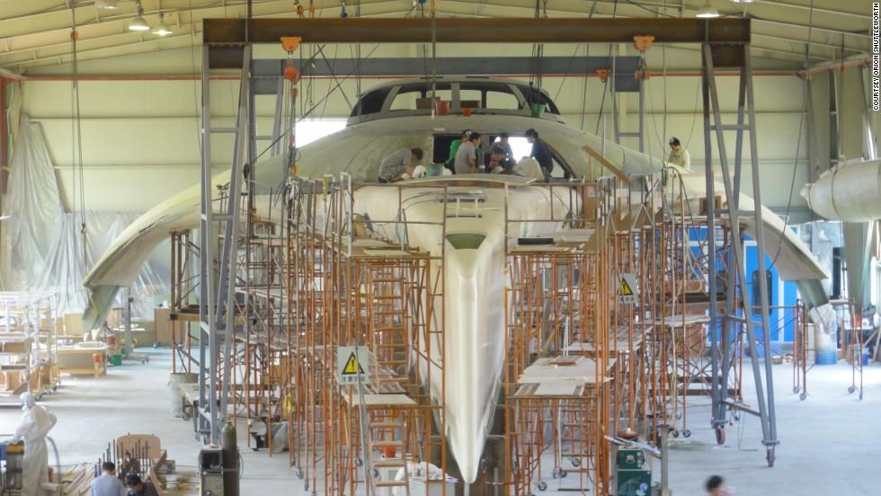 Una nave futurista acuática de 15 millones