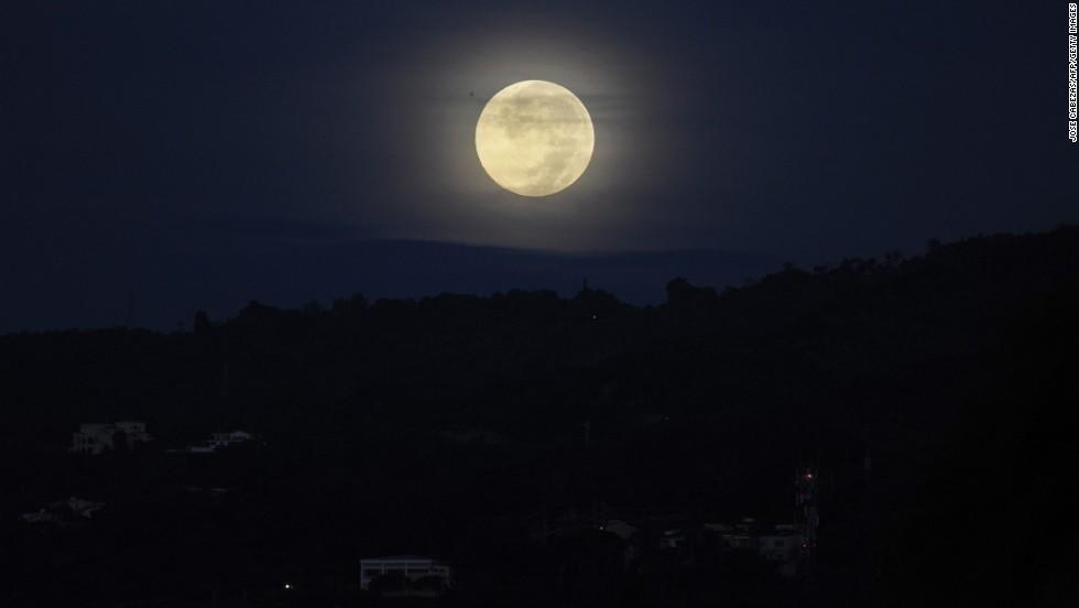 """Así se vio la """"Superluna"""" en el mundo"""