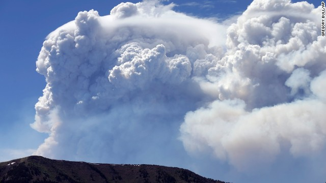 Photos: Wildfires spread across Colorado