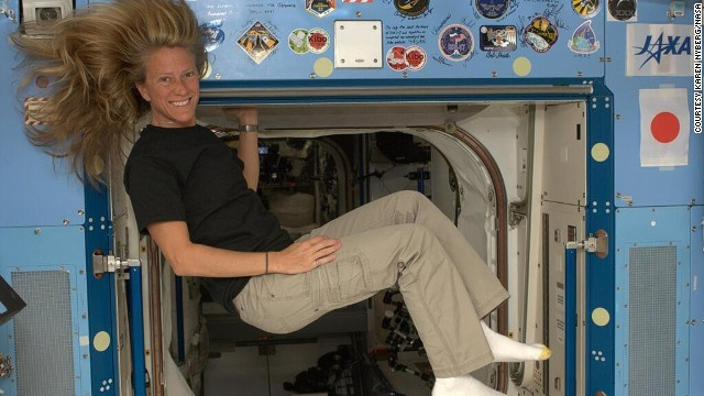 Karen Nyberg (@AstroKarenN) is an avid Twitter user sharing rare photos of life on the International Space Station with her followers.