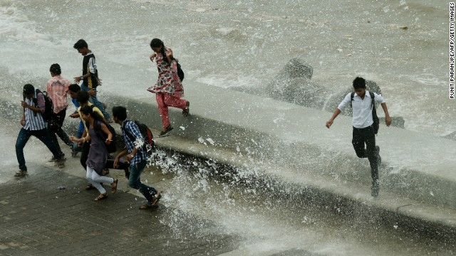 Images: India lashed by monsoon rains