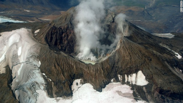 Mount Martin, on the edge of the Valley of Ten Thousand Smokes, is one of Katmai's most active volcanoes.