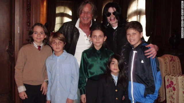 Michael Jackson with Prince (left), Paris (center), Prince II, aka Blanket (front), and real estate developer Mohamed Hadid in 2008.
