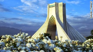 'Tsunami of tourists' head for Iran