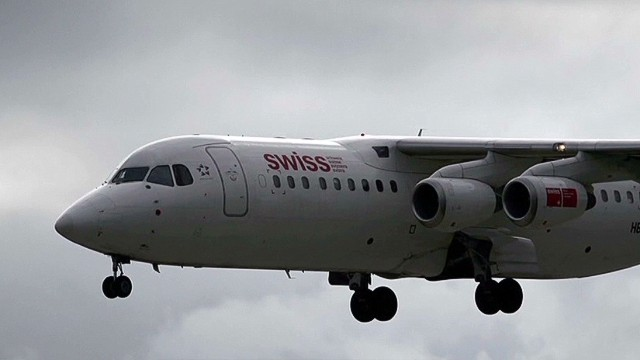 El FBI investiga desaparición de más de un millón de dólares en un vuelo Suiza-EE.UU.