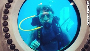 Cousteau to live underwater for 31 days