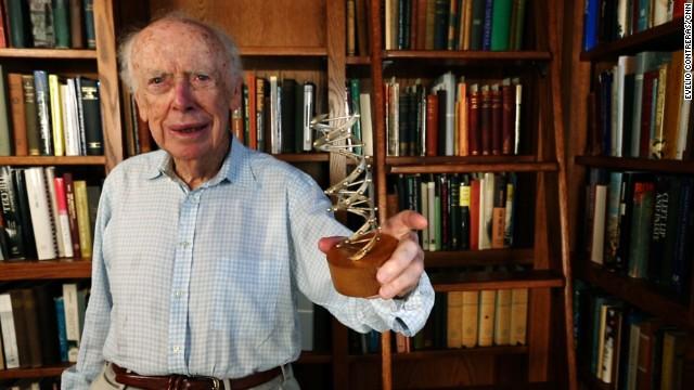 James Watson, pionero del ADN, venderá su medalla del Premio Nobel