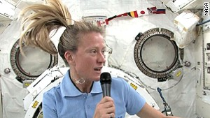 Live from space: Karen Nyberg talks to CNN