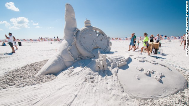 Looking for the perfect sculpting event in November? The <a href='http://www.crystalsand.org/' target='_blank'>Crystal Classic Master Sand Sculpting Competition</a> at Siesta Key Beach in Sarasota, Florida, boasts clean, white-sugar beaches and beautiful warm weather.