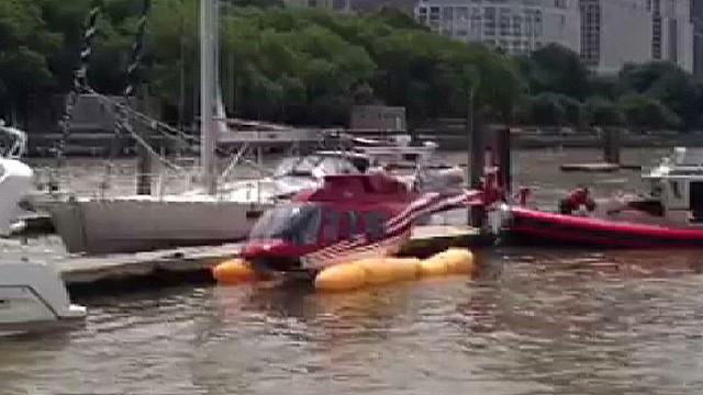 Un helicóptero turístico de Nueva York se cae al Hudson