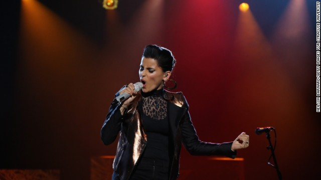 <a href='http://abcnews.go.com/Blotter/nelly-furtado-donate-gadhafis-million-payday-word-beyonce/story?id=13027581#.UdHJatj4JgE' target='_blank'>Nelly Furtado tweeted that she would donate </a>the $1 million she received for performing for the Gadhafi family in 2007.