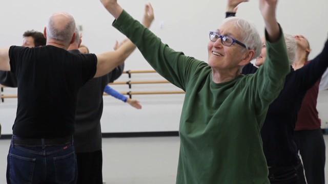La danza, una nueva forma de combatir al Parkinson