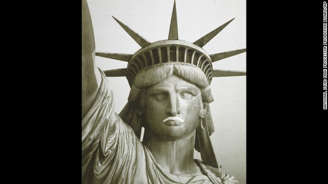 The Statue of Liberty sports a milk mustache in this 1995 ad.