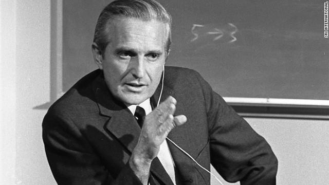 Douglas Engelbart, una leyenda informática a la que agradecerás todos los días