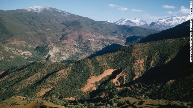 The vast mountainous range stretches for more than 2,000 kilometers, from Agadir in Morocco to Tunis in Tunisia. <i>Peak: 4,165 meters.</i>