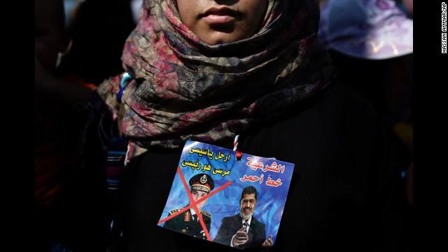 Decenas de muertos en Egipto en batallas campales con piedras, cuchillos y pistolas
