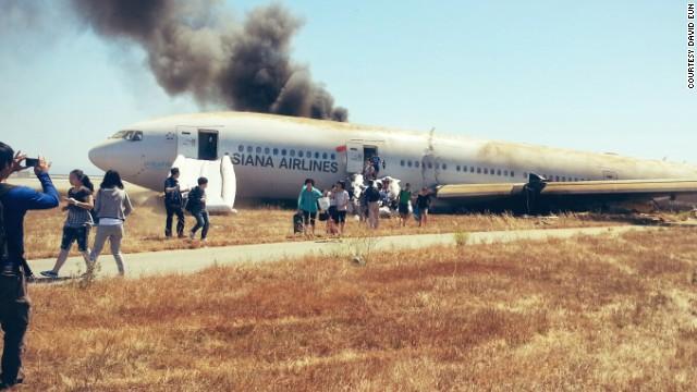 http://i2.cdn.turner.com/cnn/dam/assets/130706172618-san-francisco-plane-crash-18-horizontal-gallery.jpg