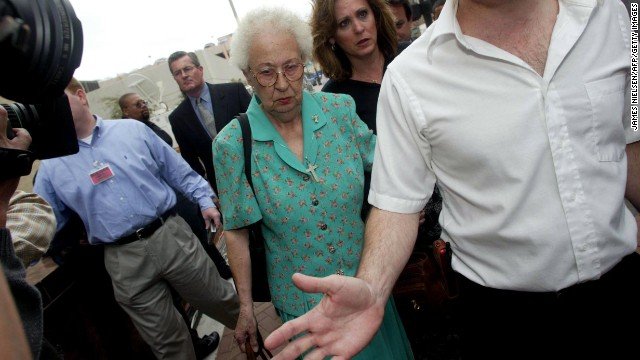 Yates' mother, Jutta Kennedy, and sister, Maureen Freeman, arrive for the sentencing phase of Yates' trial on March 14, 2002.