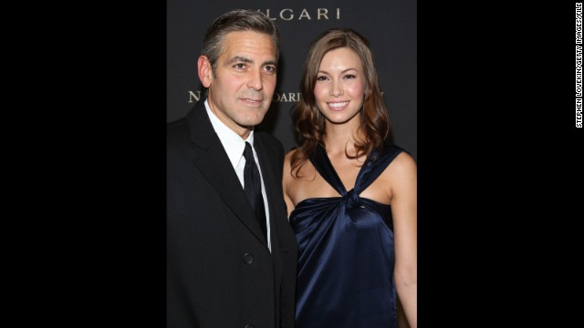 Sarah Larson: Clooney and Sarah Larson started dating in 2007, but the romance was comparatively short-lived. Although their affair survived a motorcycle accident and a walk down the red carpet at the 2008 Academy Awards -- Larson being the first lady love of Clooney's to do so -- their relationship ended that May.