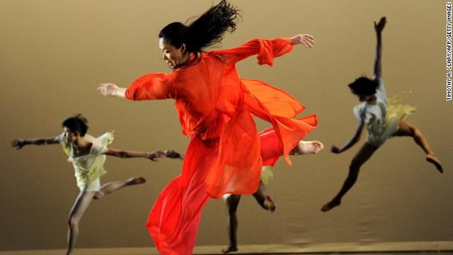 La coreógrafa revolucionaria que se cambió de sexo en China