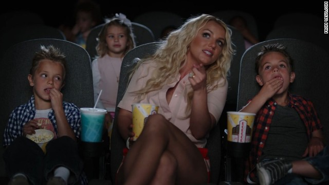 Britney's 'Smurfs 2' music video is a family affair