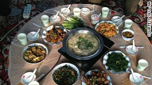 A typical Jilin meal includes lots of game, such as pheasant, and preserved vegetables. Pickled cabbage with pork is one of the area\'s most popular dishes.