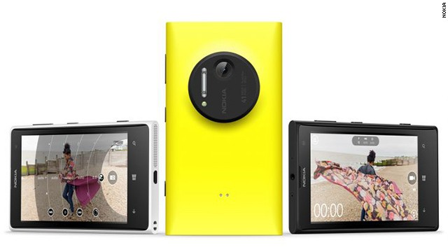 Nokia's Lumia 1020 phone has a 41-megapixel camera -- the latest sign that phone cameras are catching up to professional ones.
