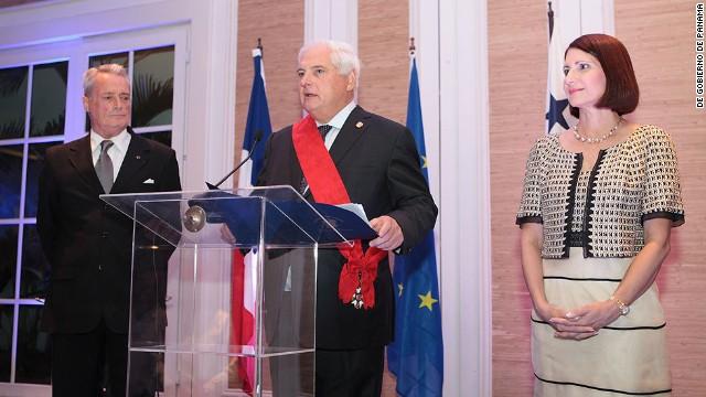 Francia condecora al presidente de Panamá con la Orden de la Legión de Honor
