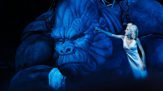 The stage version of King Kong combines animatronic and marionette puppetry which interacts with a human cast. It opened in Melbourne's Regent Theater in June.