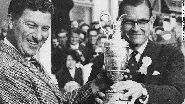 Australian Peter Thompson (L) can also boast five British Open titles, winning three times in a row during the 1950s. He says no-one will match his six titles.