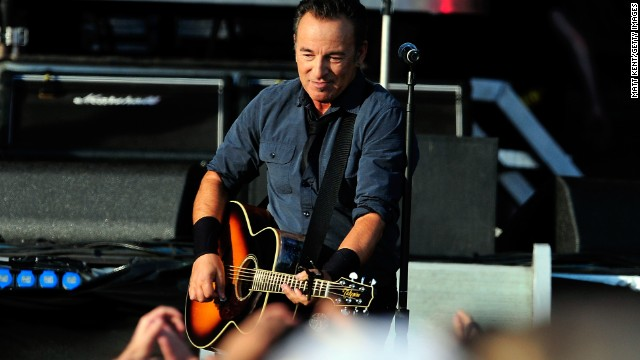 Bruce Springsteen honors Trayvon Martin