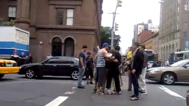 "Ryan Gosling made his fans swoon when <a href='http://www.youtube.com/watch?v=gauLLAR7njY' target='_blank'>he stepped in to break up a fight</a> in the streets of New York City in August 2011. The next year, <a href='http://gawker.com/5899046/ryan-gosling-saved-me-from-a-speeding-car-but-theres-war-in-the-middle-east-so-everyone-calm-down' target='_blank'>he was also credited</a> with saving a woman from walking in front of a speeding car in the Big Apple. "" border=""0″ height=""360″ id=""articleGalleryPhoto0010″ style=""margin:0 auto;display:none"" width=""640″/><cite style="