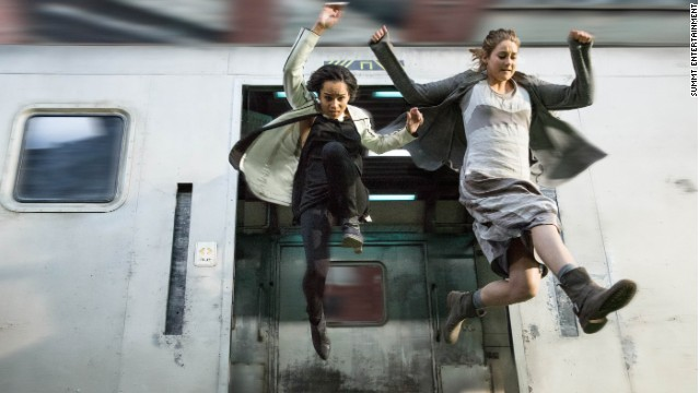 Zoe Kravitz and Shailene Woodley star in 'Divergent'