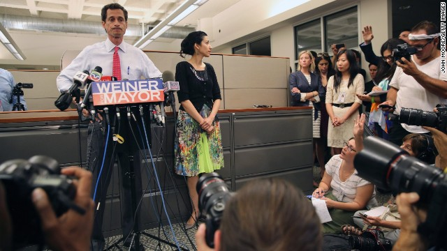 Photos: Who is Weiner\'s wife?
