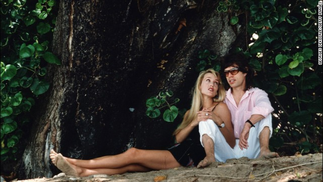 Jerry Hall and Mick Jagger spend a day at the beach in Barbados in 1987.
