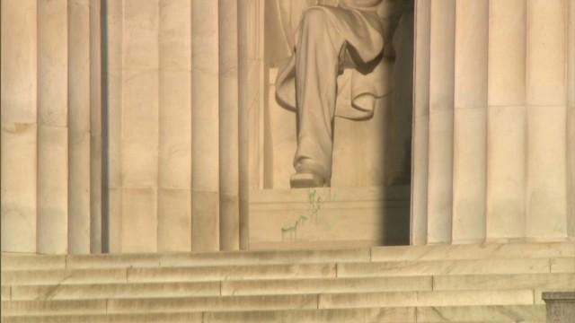 Vandals Splatter Lincoln Memorial With Green Paint