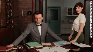 Michael Sheen as Dr. William Masters and Lizzy Caplan as Virginia Johnson in Showtime\'s upcoming \
