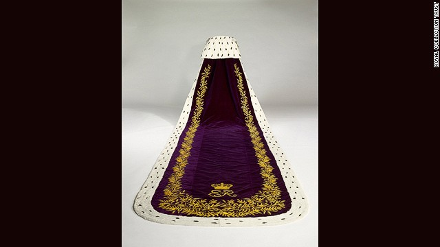 The robe has a 6.5 metre-long tail.
