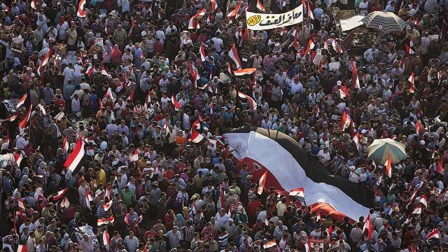 Decenas muertos y miles de heridos en Egipto tras el encarcelamiento de Morsi