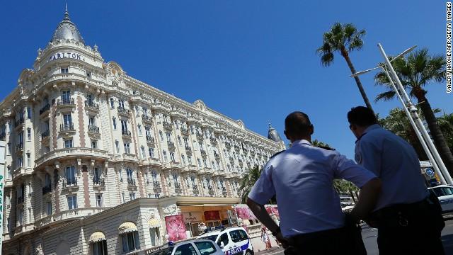 Un ladrón roba 53 millones de dólares en joyas de un hotel de Cannes
